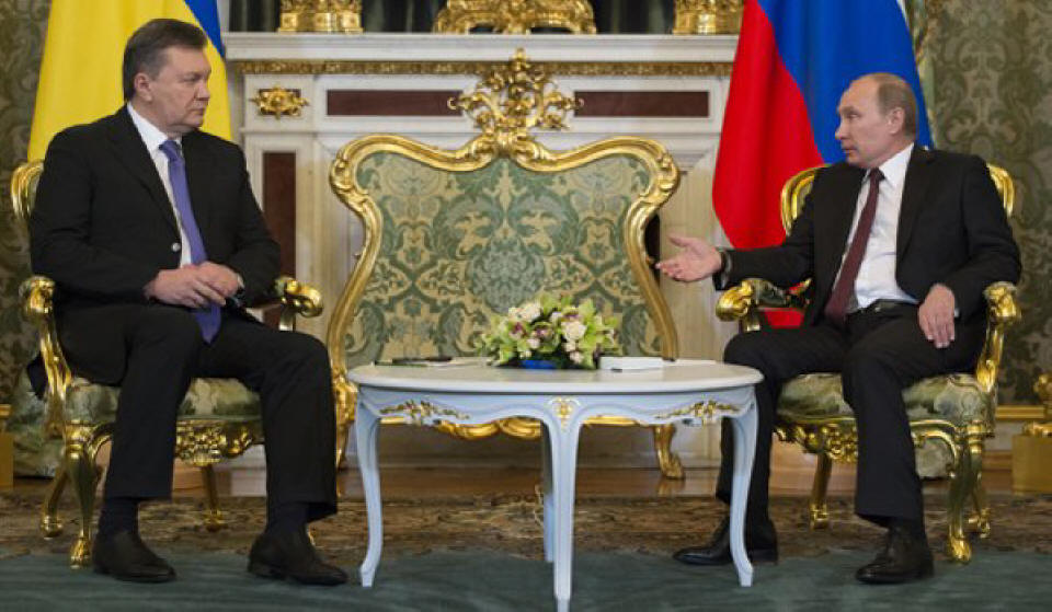 Presidents Putin and Yanukovych cement Russian-Ukrainian ties